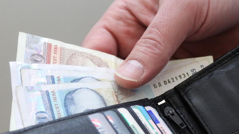 С 1 октября 2017 года увеличена минимальная пенсия